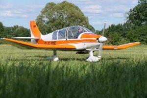 Robin DR-400 D-EJQF von rechts vorne